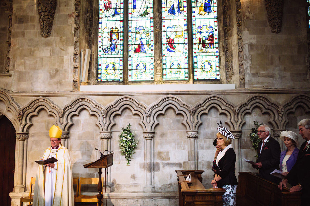 vicar in wedding ceremony st albans cathedral