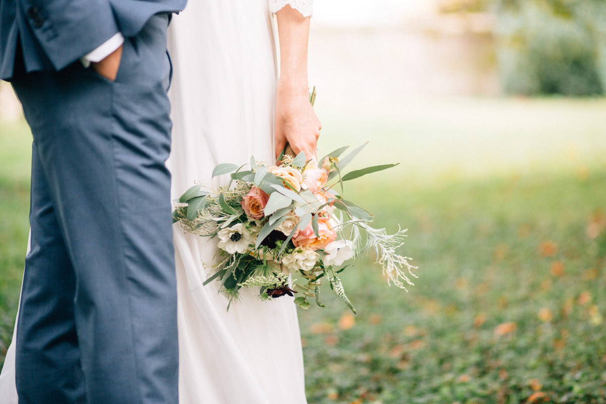 peach and white rustic wedding bouquet